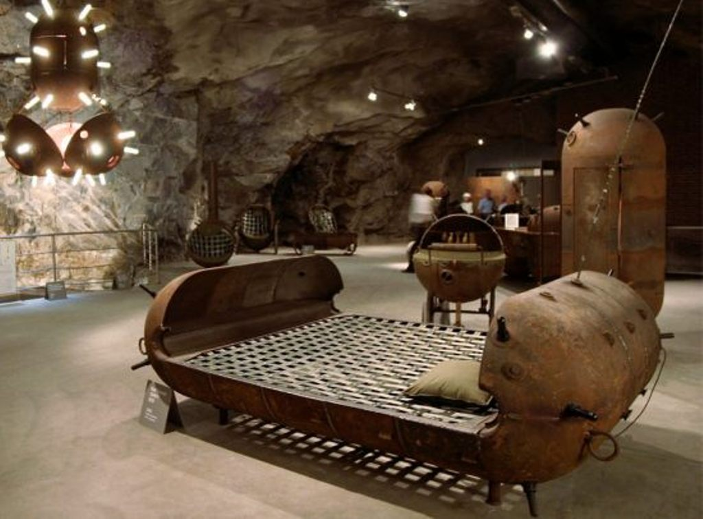 Karmini miinimööbel - voodi